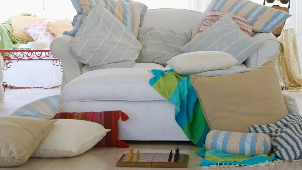 How to Prevent Ants From Infesting Your Couch