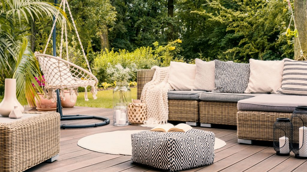 How To Get Rid of Hoverflies on Patio